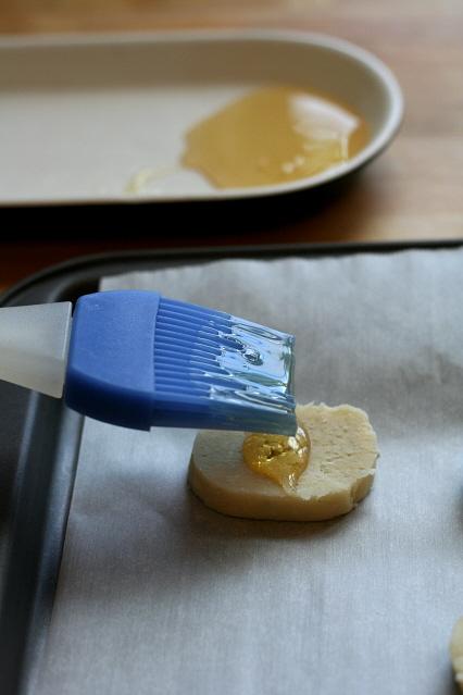Honey on Gargonzola Shortbread - Clockwork Lemon