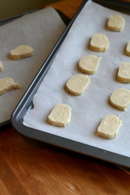 Gargonzola and Honey Shortbread - Clockwork Lemon