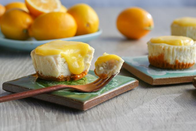 Mini Lemon Cheesecakes-2